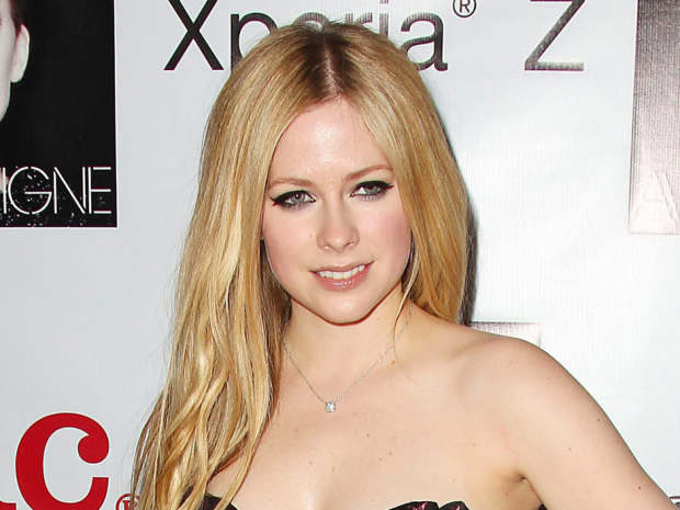 Avril Lavigne Celebrates her New Album with a Release Party at FINALE